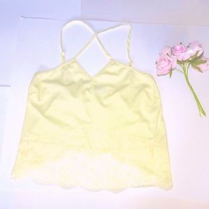 2/$40💎 TOBI Lacy Soft Yellow Camisole Crops Tank